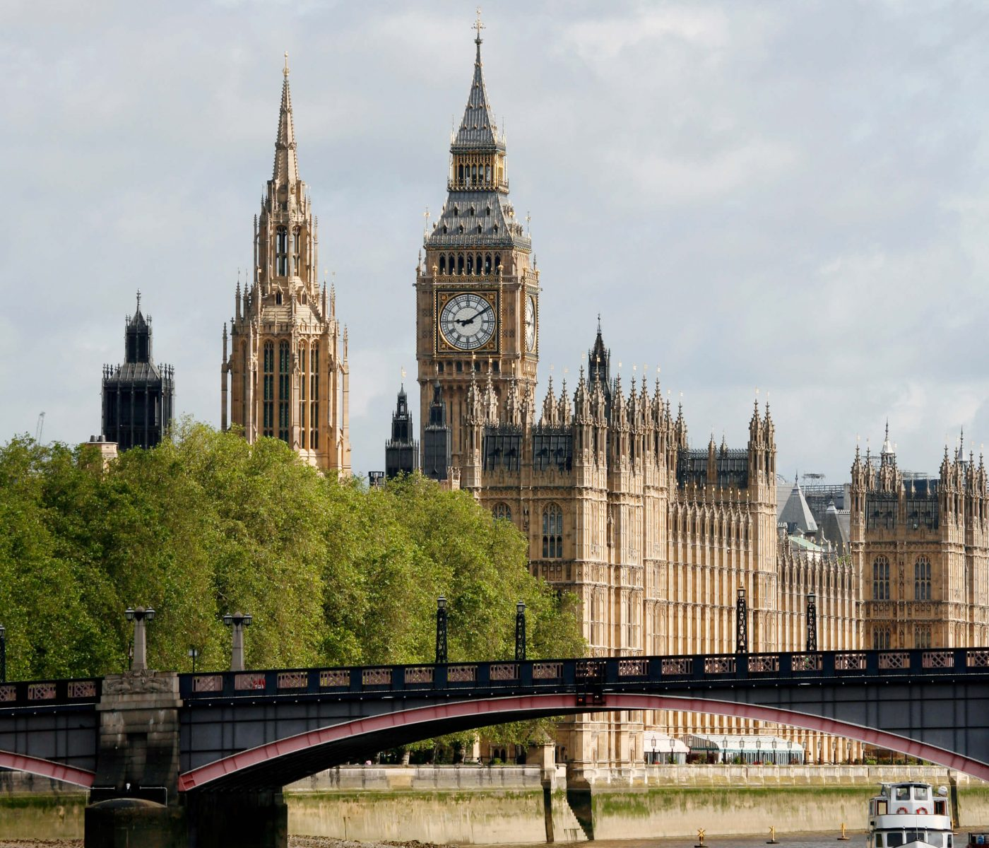 London skyline, Westminster Palace, Big Ben and Central Tower, seen from South Bank